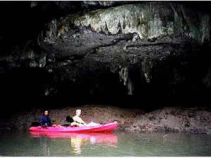 siamsmiletravel-cave kayaking